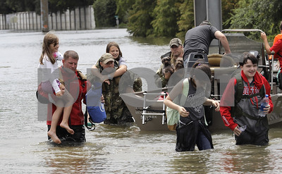 trump-praises-spirit-of-texans-as-they-cope-with-harvey