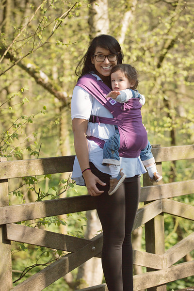 Izmi_Baby_Carrier_Cotton_Midnight_Purple_Lifestyle_Front_Carry_Baby_Pointing.jpg
