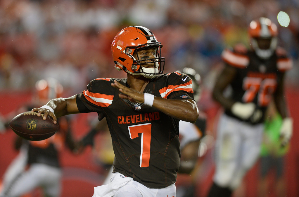 . Cleveland Browns quarterback DeShone Kizer (7) throws against the Tampa Bay Buccaneers during the second quarter of an NFL preseason football game Saturday, Aug. 26, 2017, in Tampa, Fla. (AP Photo/Jason Behnken)