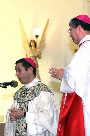 2006 Bishop Daniel Flores Mass