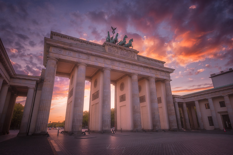 Brandenburg-gate-sunset-side-new.jpg