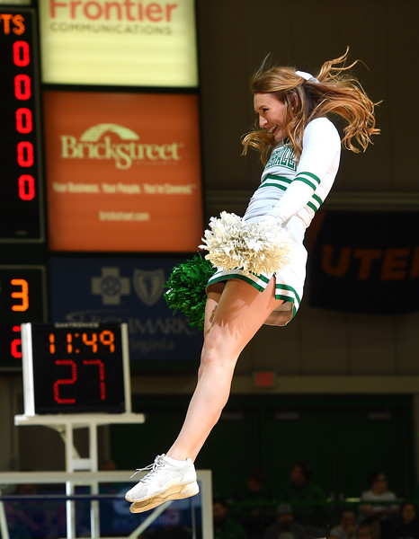 cheerleaders0105.jpg