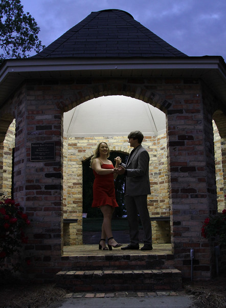 Emily Jonas senior photos.