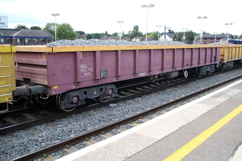 MLA 503502 on 6v27 Eastleigh-Hincksey at Didcot 18.09.13.