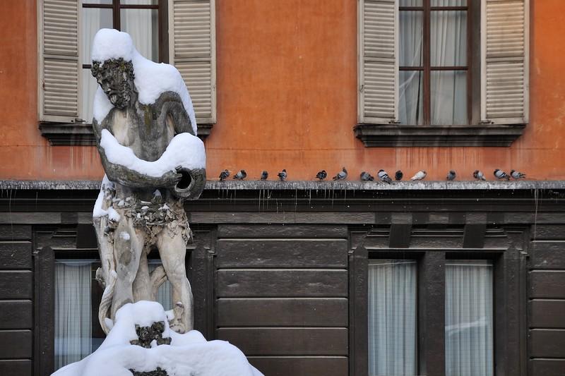 Statua del Crostolo - Piazza Prampolini, Reggio Emilia, Italia - 2 Febbraio 2012