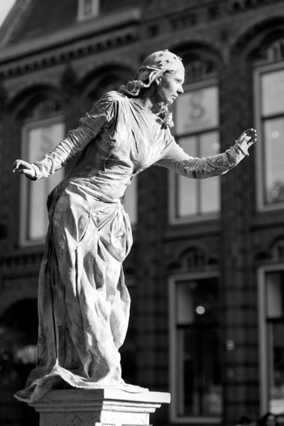 Arnhem world statues-05320BW.jpg
