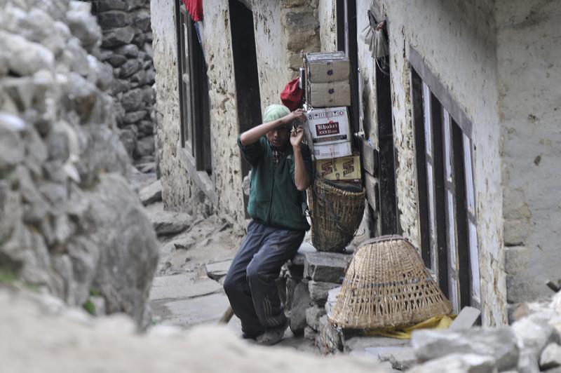 080516 2779 Nepal - Everest Region - 7 days 120 kms trek to 5000 meters _E _I ~R ~L.JPG