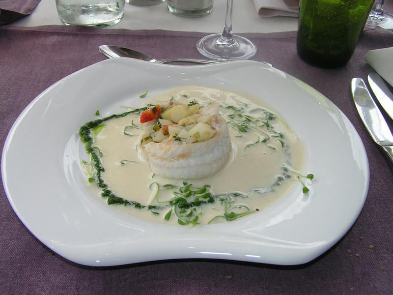 """""""Combinatie van zeetong en streekasperges met kervelpluksels in cappuccino van Amontillado sherry"""" (Paas-menu 2009)"""
