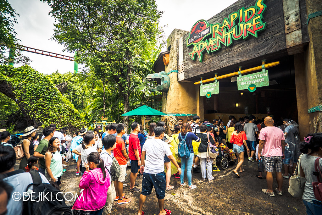 Universal Studios Singapore - Park Update May 2016 / Jurassic Park Rapids Adventure queue crowd 1