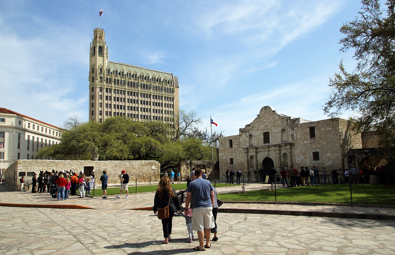 Wide view of the Alamo