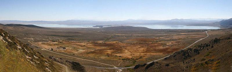 Panoramo of Mono Lake