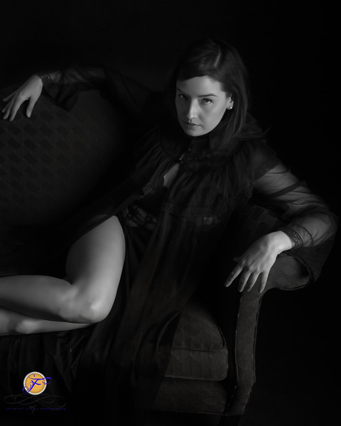 2018 Film Noir-Jessica Kisiel Couch B&W--185-2.jpg