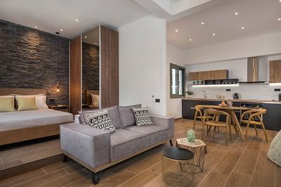 Apartment 01U-L