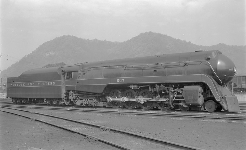 2018.15.N79.6189--ed wilkommen 116 neg--N&W--steam locomotive 4-8-4 J 607 (streamlined)--Portsmouth OH--1957 0428