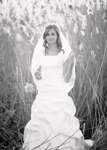 Amy Bridals 107bw.jpg