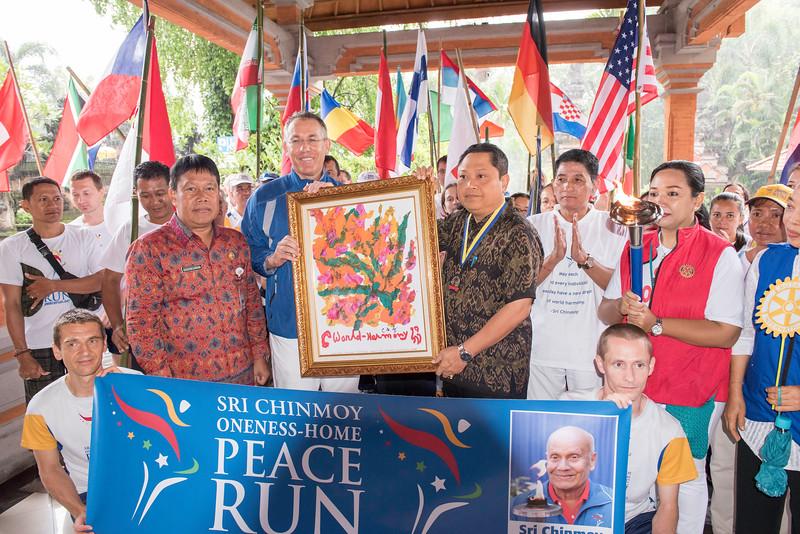 20170202_Peace Run Denpasar w_Mayor_063.jpg