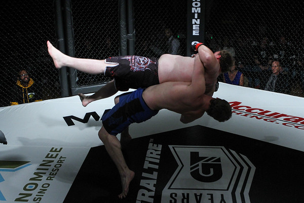 Jordan Seufzer vs Mike Smith