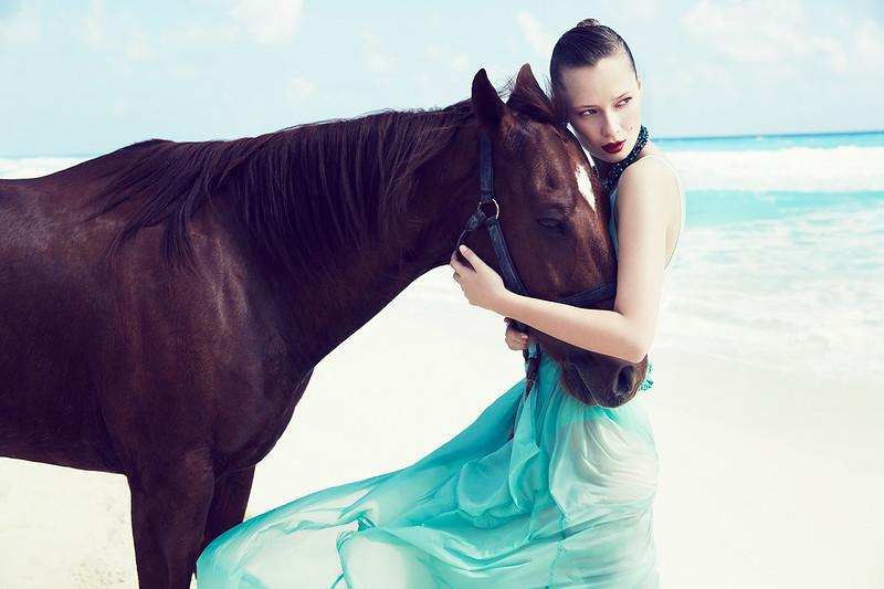 stylist-jennifer-hitzges-magazine-fashion-lifestyle-creative-space-artists-management-47.jpg