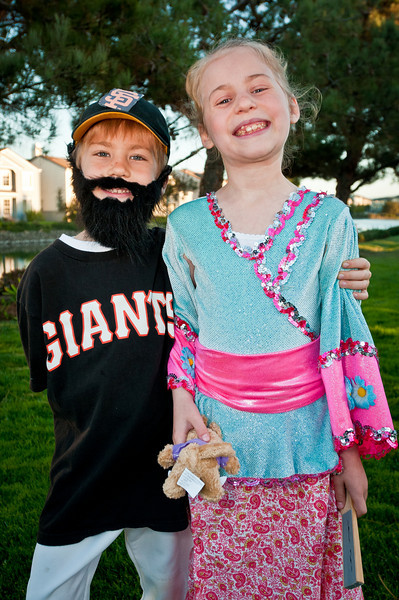 In honor of Jeremy dressing as a Giant, and the Japanese Princess Gabrielle demanding that the giants win, they did! 4-0 over the Rangers in Game 3 of the 2010 World Series.