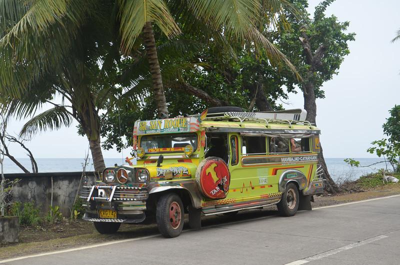 DSC_7495-parked-jeepney.JPG