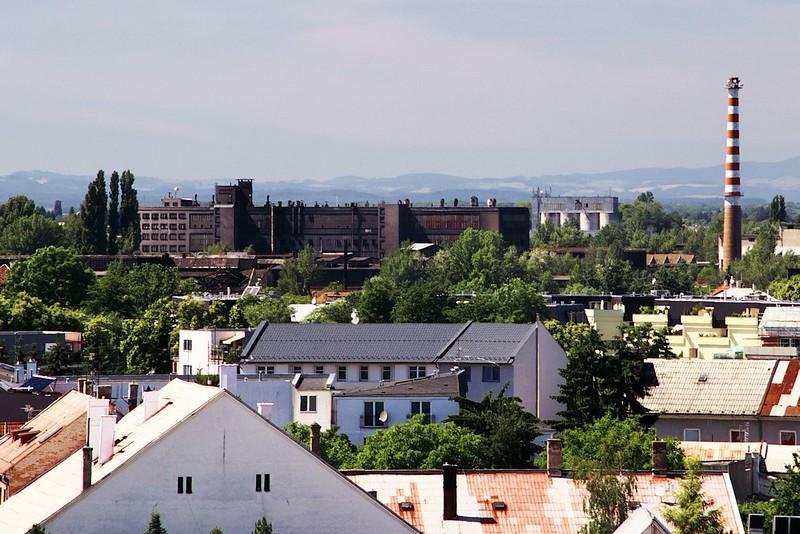 V pozadí pravděpodobně průmyslový areál v Řepčíně