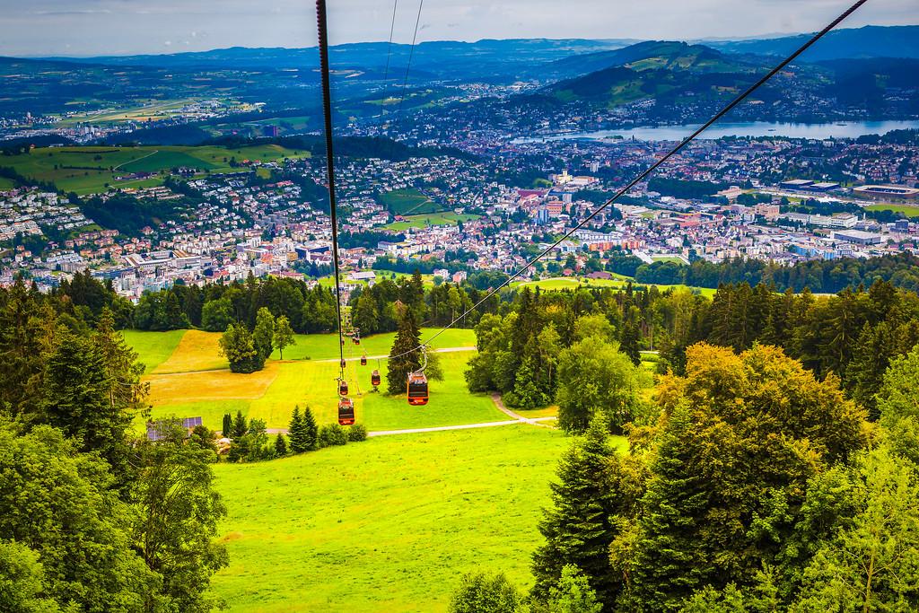 瑞士卢塞恩(Lucerne),山的这一边