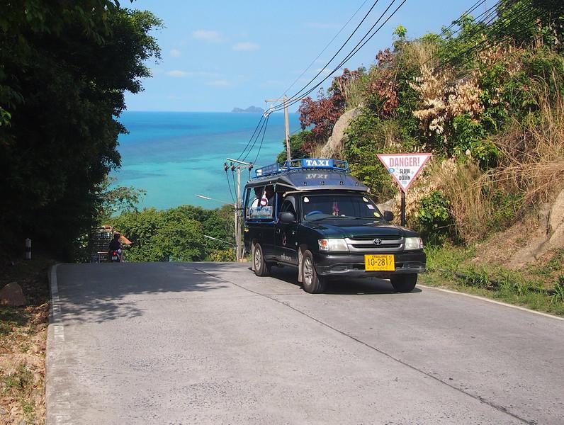 P3082979-shared-taxi.JPG