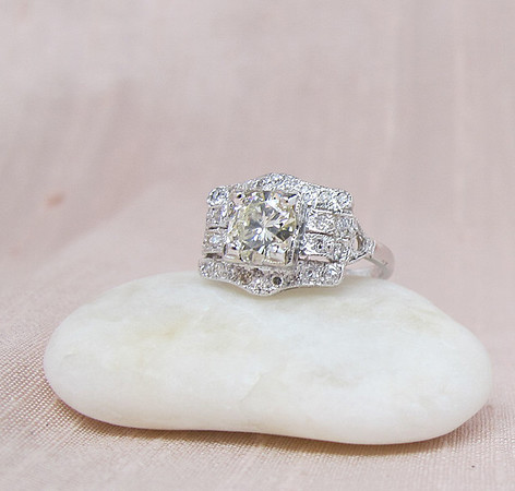 .80ct (est) Art Deco-inspired Round Brilliant Diamond Ring