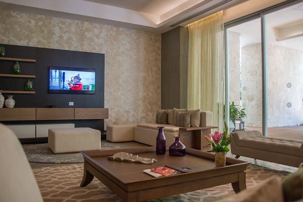 Grand Lux 4 Bedroom Single Floor Unit