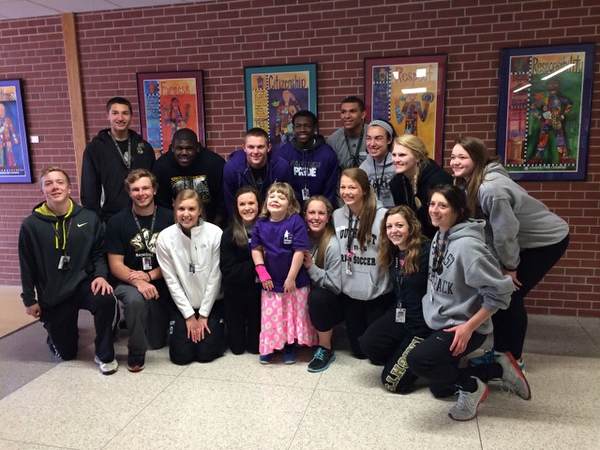 7762_LSE_Student_Athletes_with_Alexis_640x480.jpg