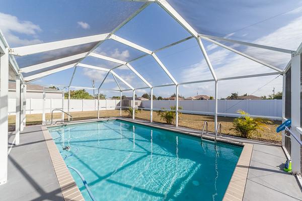 2821 NE 6th Avenue, Cape Coral, FL