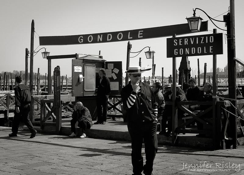 Gondola Stand