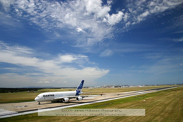 First Ever A380 Landing at Melbourne Airport