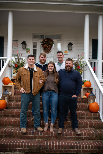 2019 November Ellis Family-187-171.jpg