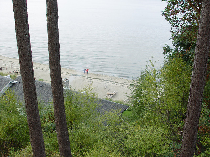 A picture looking down at the beach from our room - that's Mike and Linda way down there!