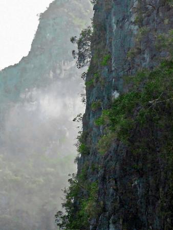 8-Sung Sot Cave, Vietnam
