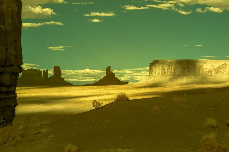Monument Valley - Infrared photos