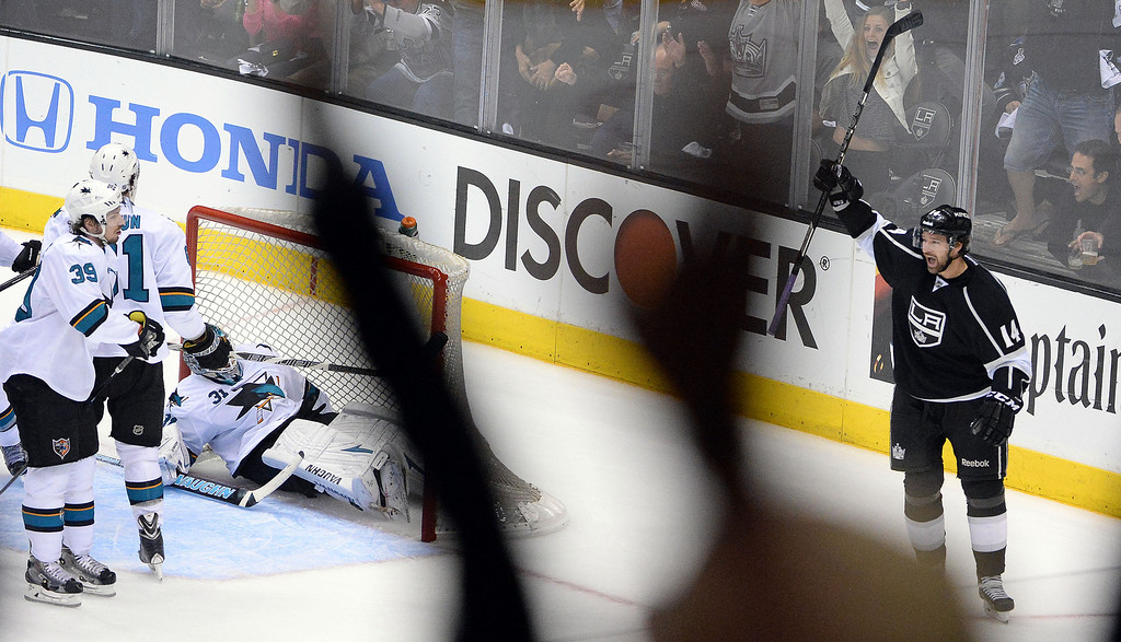 . Los Angeles Kings right wing Justin Williams (14) reacts after scoring against the San Jose Sharks during the second period in Game 4 of an NHL hockey first-round playoff series at Staples Center in Los Angeles on Thursday, April, 24  2014.  (Keith Birmingham Pasadena Star-News)