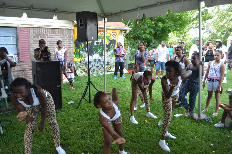 dancers-at-the-block-party-026_14411147553_o.jpg