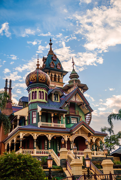 mystic-manor-exterior-portrait.jpg