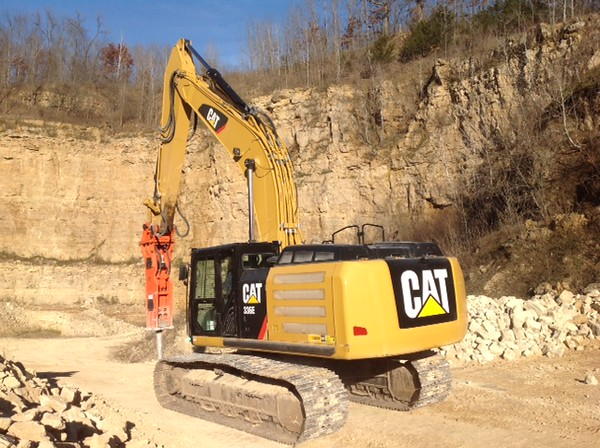 NPK GH15 hydraulic hammer on Cat 336EL excavator - making rip rap (4).JPG