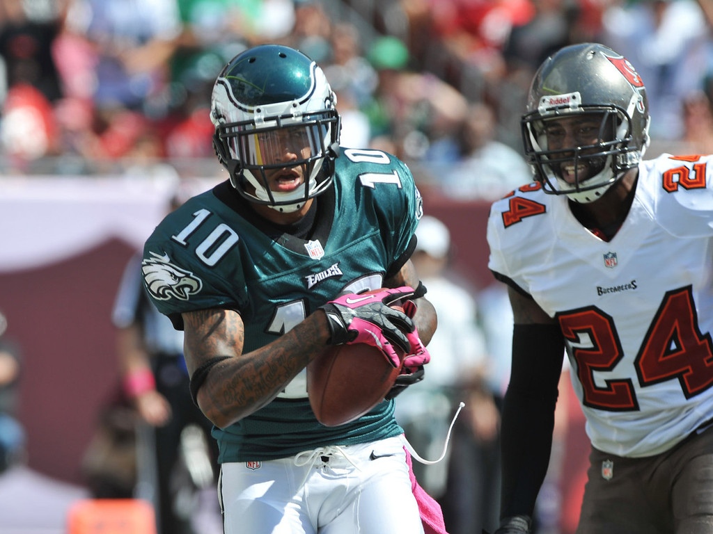 . Wide receiver DeSean Jackson #10 of the Philadelphia Eagles grabs a 2nd quarter touchdown pass against the Tampa Bay Buccaneers October 13, 2013 at Raymond James Stadium in Tampa, Florida. (Photo by Al Messerschmidt/Getty Images)