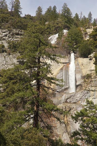 YOS-170216-0004 Cascade Fall Along Hiway 140