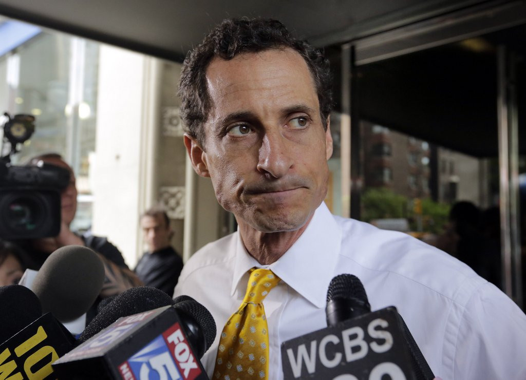 """. <p><b><a href=\'http://politicalticker.blogs.cnn.com/2013/07/25/weiners-poll-numbers-tumble/\' target=\""""_blank\""""> 2. Anthony Weiner </a></b> <p>Sees no need to get off ballot, because he�s getting off everywhere else. (4) <p> --------------------------------------------   (AP Photo/Richard Drew)"""