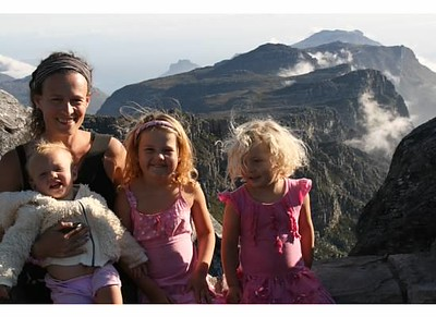 all 4 girls table mountain.jpg