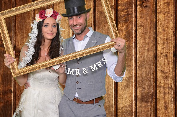 Mel & Lee's Photobooth