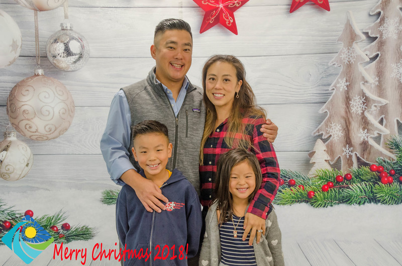 Christmas Photobooth 2018 Sunday-113.jpg