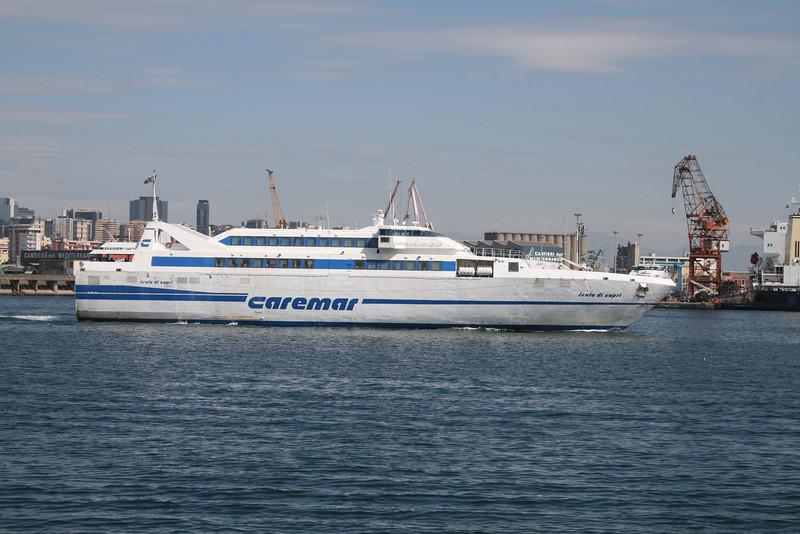 2010 - HSC ISOLA DI CAPRI departing from Napoli.
