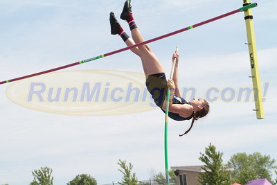 Pole Vault Girls - 2016 MHSAA LP D1 TF Finals