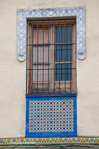 Thur 3/10 in Cordoba: Framed window